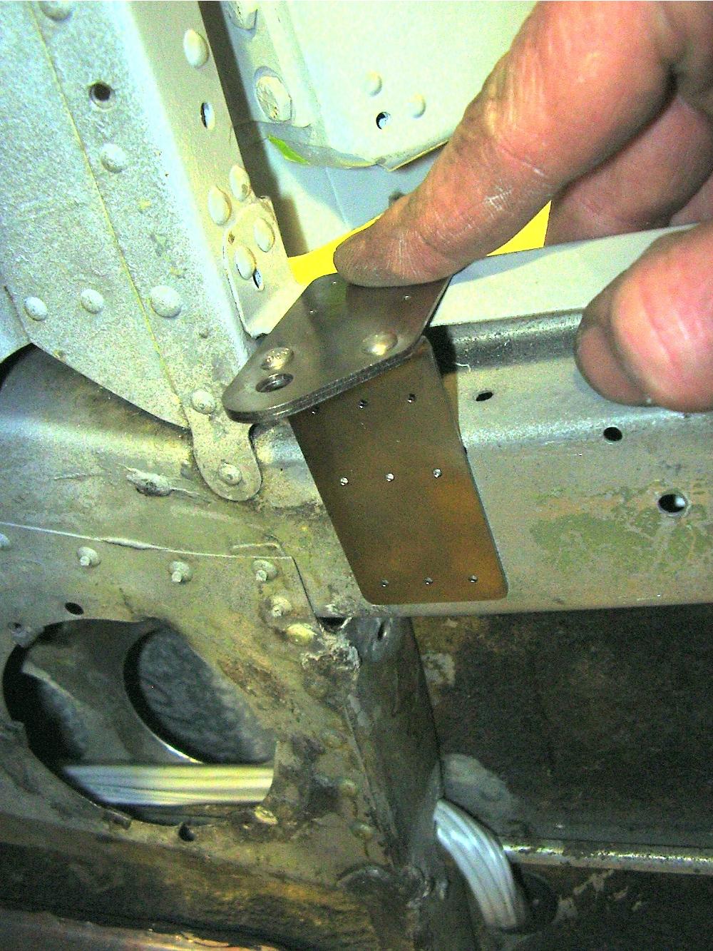 Bracket positioning & Door Steward Installation | Beech F35 Bonanza | 891JH | AVSTAR ...